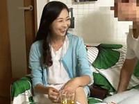 高齢人妻熟女動画 あっふ〜ん:熟女ナンパ ★ 出会い系で知り合った48歳美人妻を自宅に連れ込んで…