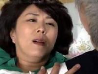 動画ナビあんてな:【ヘンリー塚本】『待って…お願い…』泥酔してタクシー運転手を自宅で誘惑する人妻!