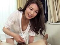 ダイスキ!人妻熟女動画 :溺愛する息子を筆おろしして性の手ほどきをする四十路の過保護母! 三浦恵理子