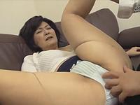 熟女ストレート:山口寿恵 母を酒に酔わせてハメる息子!