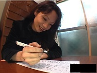人妻・熟女の食べ頃:【動画】 清純派を装う美人妻が乱れまくる