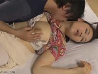 熟女ストレート:加藤英子 息子にポン引きがバレてしまい誤解を解こうと性交する巨乳母