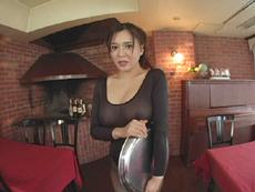 完熟むすめ:【無修正】非日常的悶絶遊戯 レストランウエイトレス、友希の場合