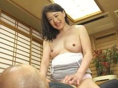 高齢人妻熟女動画 あっふ〜ん : 63歳の欲求不満妻が同級生と密会しセックスに溺れる 美川朱鷺
