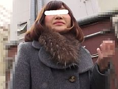 あだるとあだると : 【無】アンケートナンパにホイホイ付いてきたスレンダー若妻に即ハメキメて剛毛マムコに中出し!