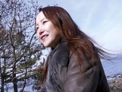 ダイスキ!人妻熟女動画 : スレンダー熟女が監督と二人っきりで台本なしのハメ撮り温泉旅行 藤井麻未
