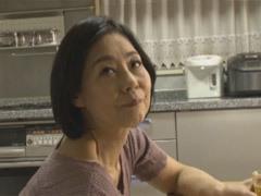 熟女ストレート : 澤田一美 長年使ってなかったオ●コを青年に使われる還暦の友母