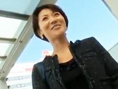 ダイスキ!人妻熟女動画 : 【人妻不倫旅行】スレンダーな人妻を連れ出して温泉にハメ撮り旅行!
