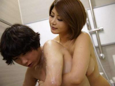 「もっとしっかり洗ってあげる」巨乳の親戚の叔母さんがお風呂で童貞のボクにいやらしい事を 推川ゆうり