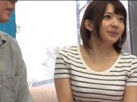 【成海うるみ】童顔素人痴女娘がマジックミラー号でM男の童貞ゲット!