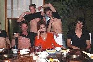 叶恭子の乱交パーティー直前画像が流出wwww「これガチ?」「叶姉妹レベルの性生活って異次元じゃね」