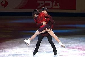 世界フィギュアで中国選手パンツが食い込みすぎて具がwwwwwww