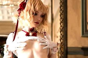 【エロ画像】外人コスプレイヤーは「乳首見せOK」の謎wwwwww