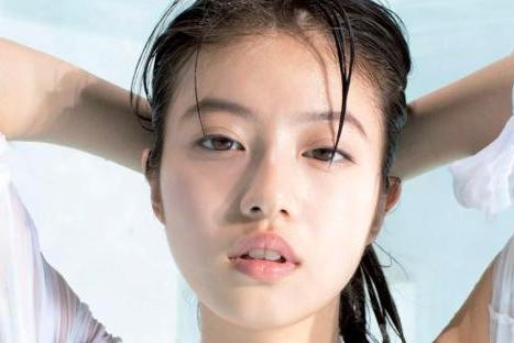 今田美桜の乳首がジャンボ級か。乳輪とびでそうになるキャミからニプレスが透けまくりwwwww(※画像あり)