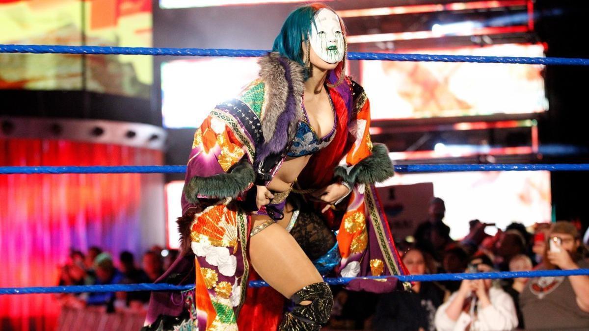 WWEのASUKA乳首ポロリのエロおっぱい画像