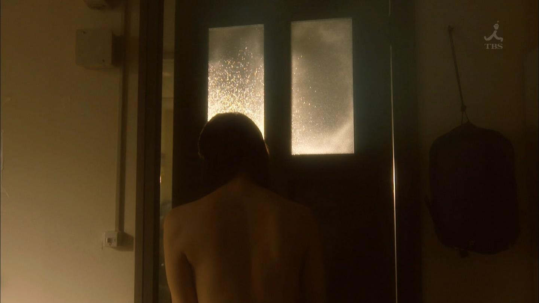 吉岡里帆が裸になるドラマのエロパンチラ画像