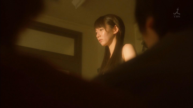 吉岡里帆が裸になるドラマのエロ画像