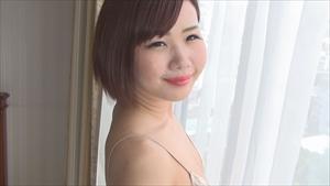 yuna102_R.jpg