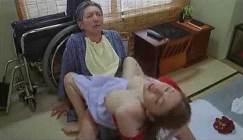 (昭和ロマン)人生初のフェラチオ体験は孫のヨメがしてくれて、股間が若返る爺ちゃん