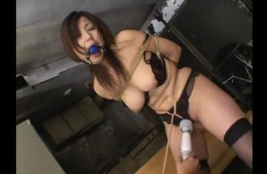 【SM股縄動画】股縄で電マ責めされるお姉さん