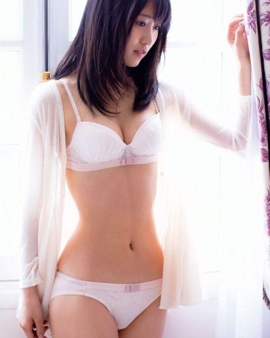 欅坂46菅井友香(22)の透明感溢れる下着姿がヌけるwwww(えろ写真)
