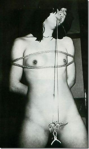 【SMエロ画像】股縄がなくても女陰ってエロいよね!って言うお股画像集(30枚)12