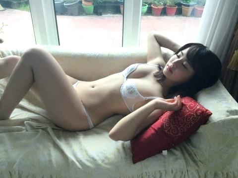 平嶋夏海(25)、レースブラが透けてチクビが見えてしまう☆