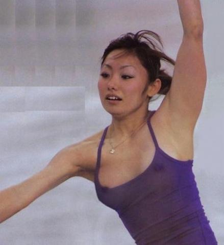 アダルト画像3次元 - スケートで乳ネックポ幼女事故、珍しくなかった・・・荒川静香、浅田真央、安藤美姫、みんなポ幼女してた・・・