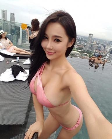 股間が正直になる韓国ビキニGALのエ●写真 part5