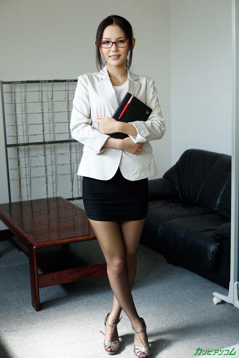 こんなえろくてモデルな秘書がいる職場なんて超最高過ぎる