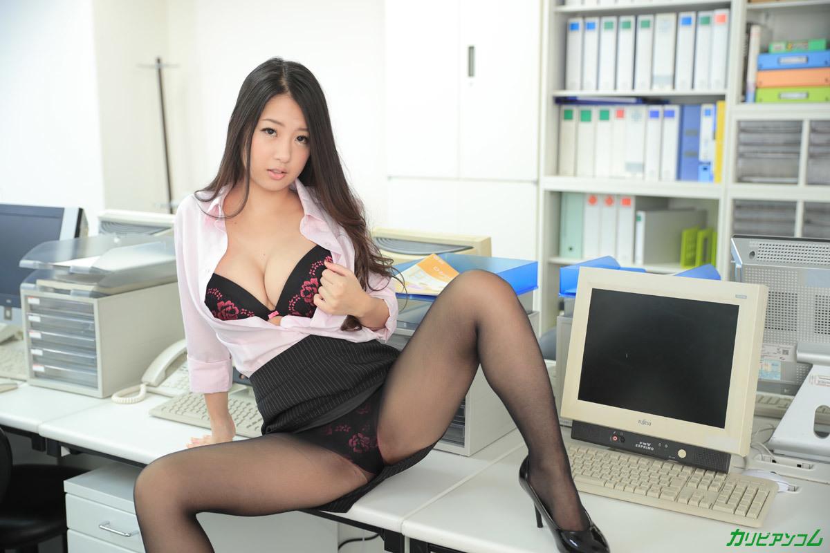 アダルト画像3次元 - ヤリマンな女性社長が事務所にいるとこうなるらしい