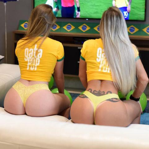 お家でワールドカップ観戦する女たちがムラムラしてアップしたエ□写真集(22枚)