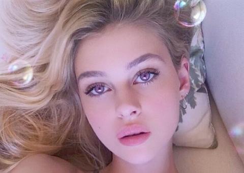 【衝撃】超美人女優(23)のヌード画像が流出!!マ●コまで見せてるアウトな画像も…