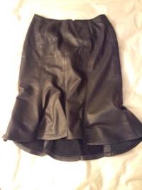 本革スカート