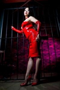 赤エナメルコルセットスカートセット(靴は黒)