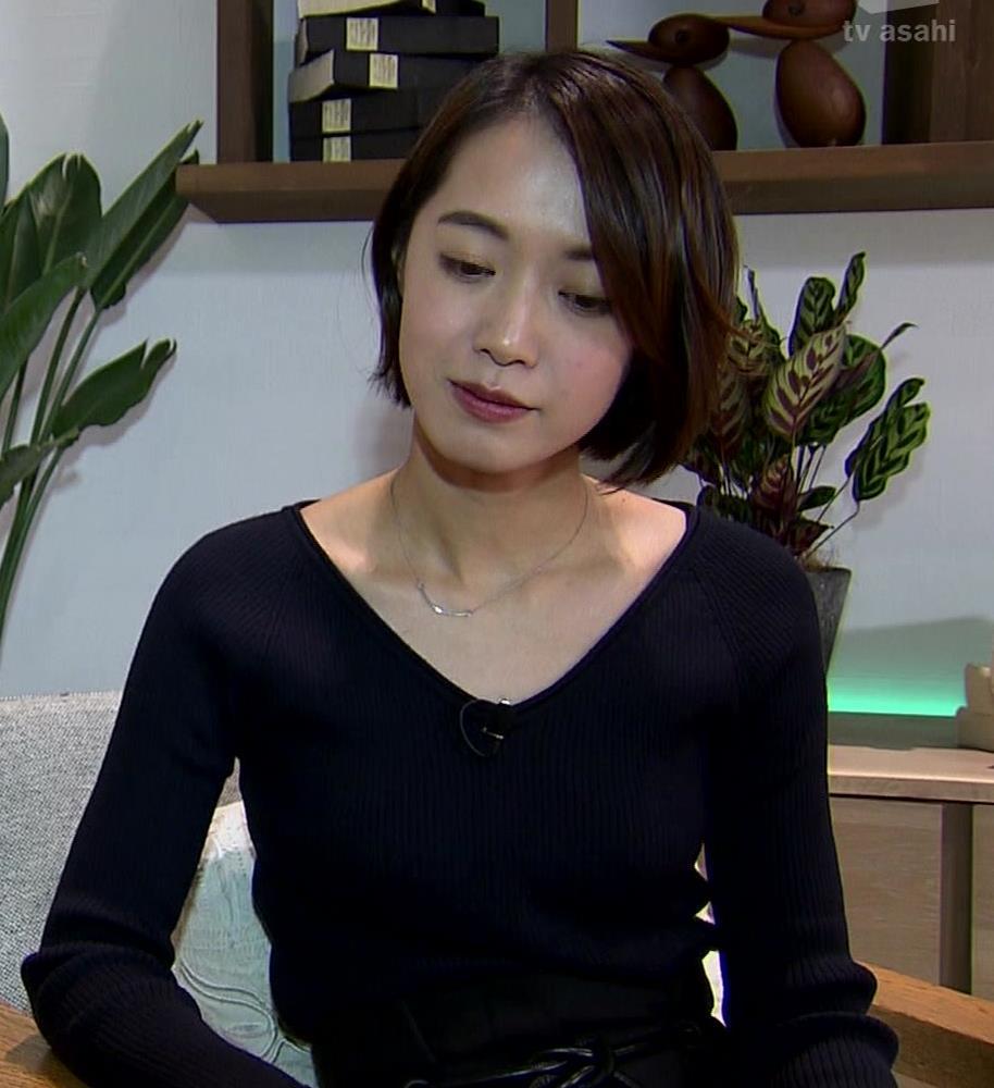 八木麻紗子 横乳画像2