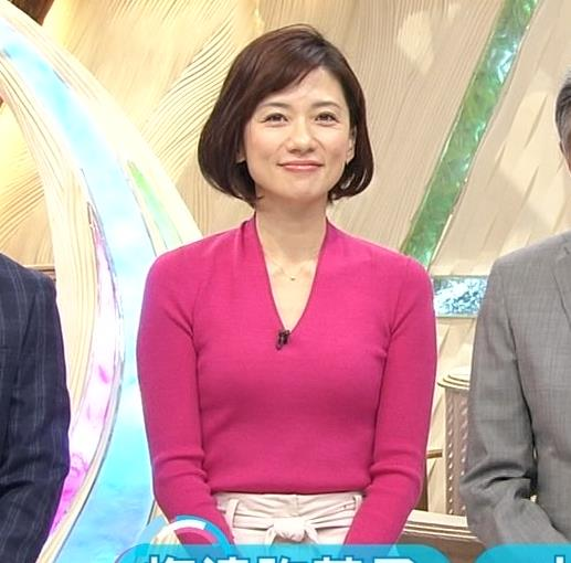 梅津弥英子 胸ちら画像2