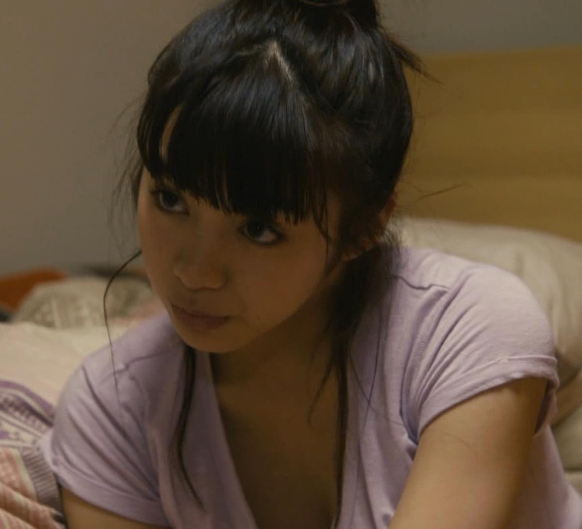 池田エライザ 胸ちら画像9