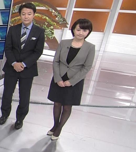 相内優香 ミニスカート画像9