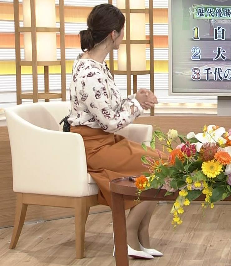 杉浦友紀 白鵬へのインタビューの巨乳横乳キャプ画像(エロ・アイコラ画像)