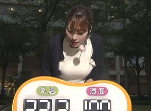 阿部華也子 乳がエロいニットキャプ・エロ画像2