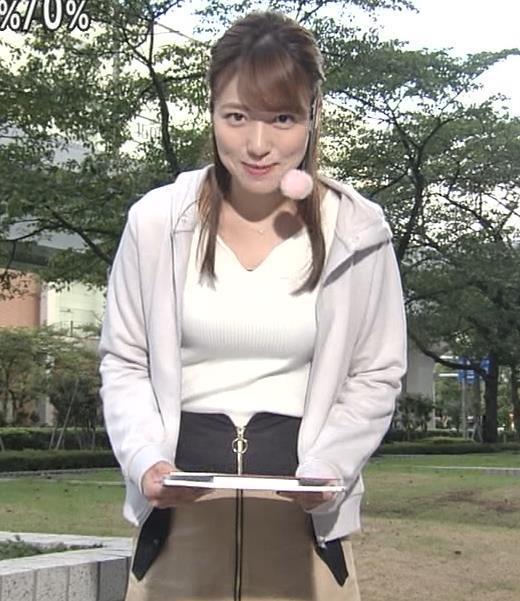 阿部華也子 大きい乳がクッキリのニットキャプ画像(エロ・アイコラ画像)