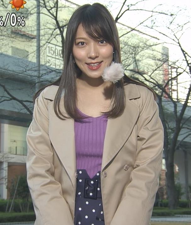 阿部華也子 ニット乳 コートを着た時の胸元の露出がエロいキャプ・エロ画像