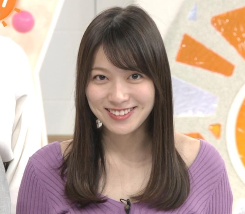 阿部華也子 ニット乳 コートを着た時の胸元の露出がエロいキャプ・エロ画像4