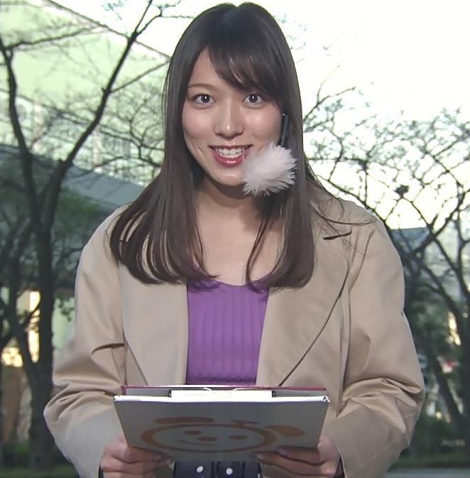 阿部華也子 ニット乳 コートを着た時の胸元の露出がエロいキャプ・エロ画像9