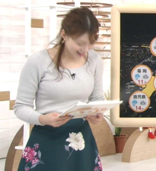 阿部華也子アナ ピチピチのニットキャプ・エロ画像4