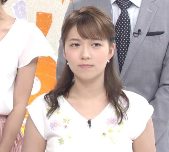 阿部華也子 振り向きざまの胸のふくらみがエロいキャプ・エロ画像2
