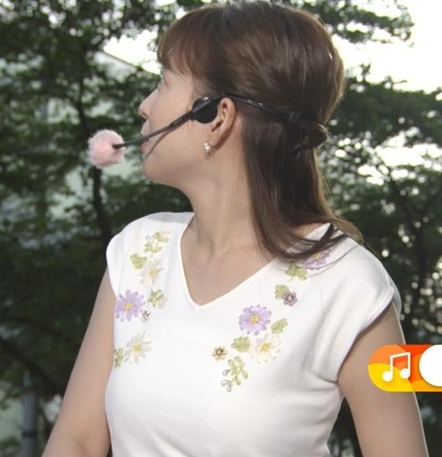 阿部華也子 振り向きざまの胸のふくらみがエロいキャプ・エロ画像5