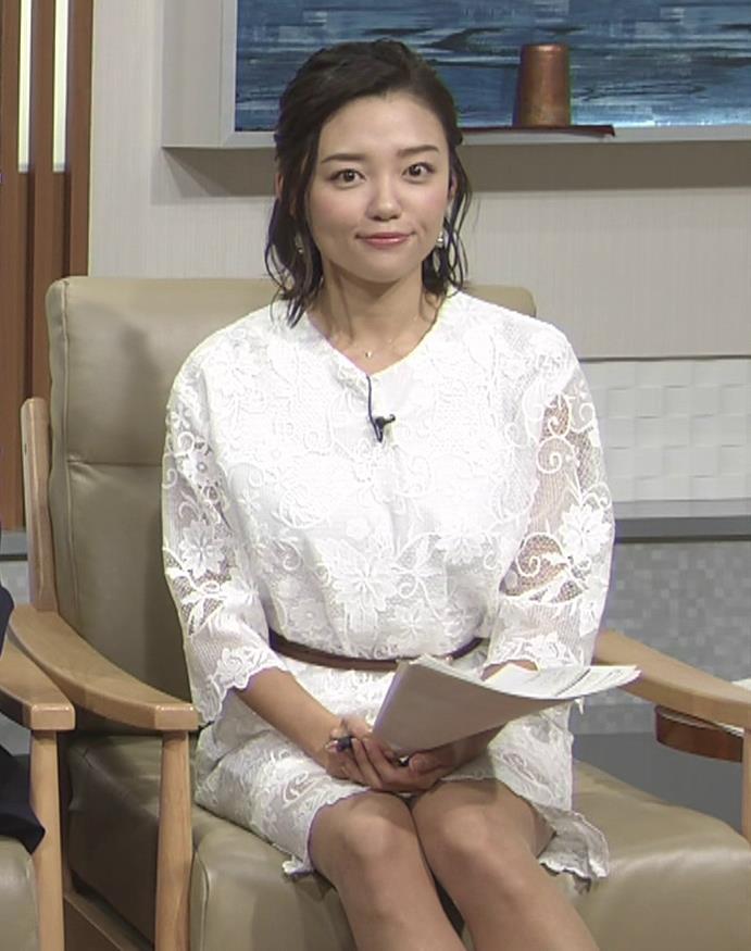 阿部優貴子 透け透けミニスカートキャプ・エロ画像