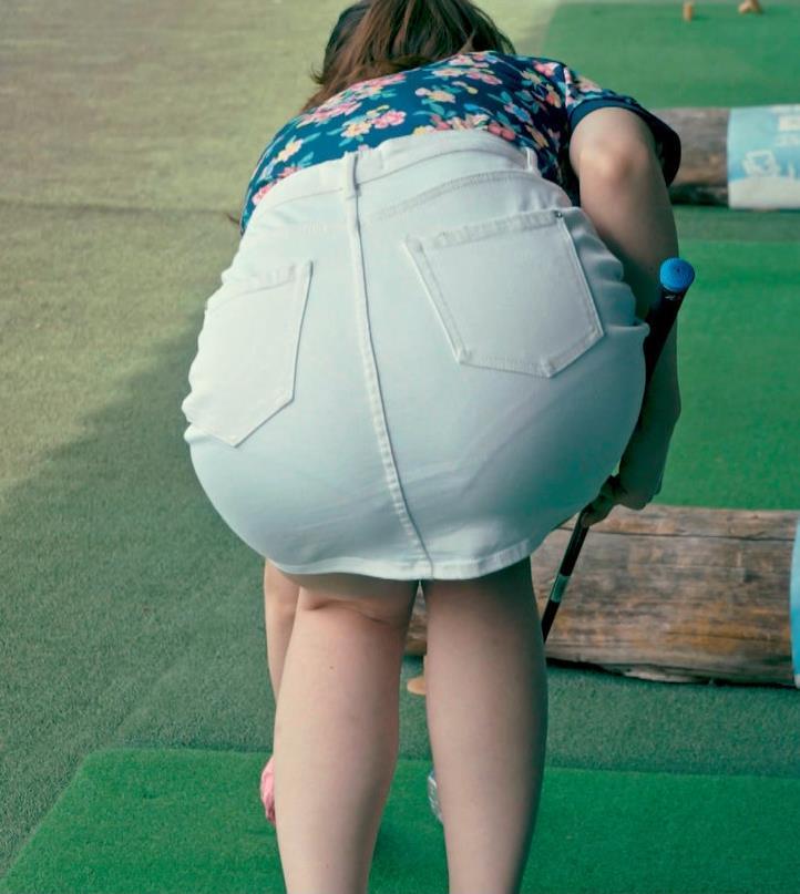足立梨花 パンツが過激に透けた尻を突き出すドラマ!キャプ・エロ画像3